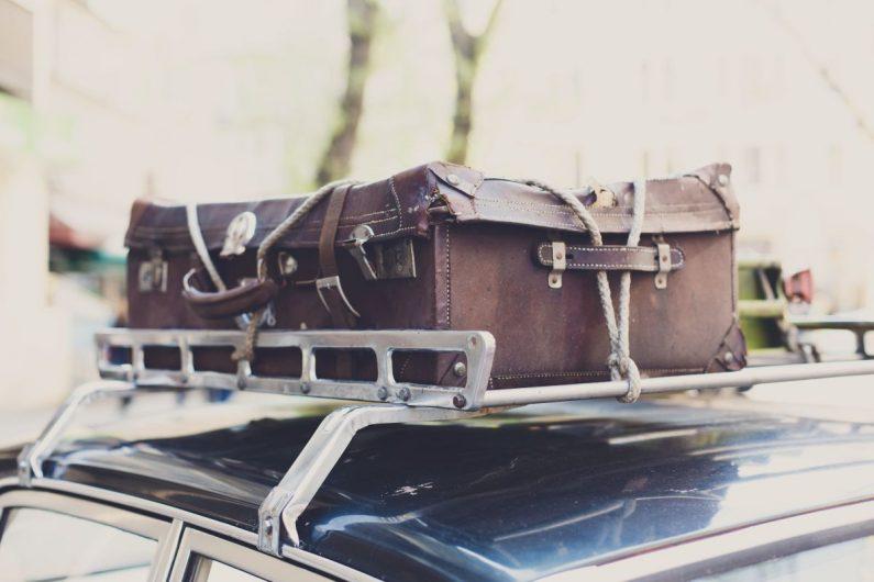 Uchwyty i bagażniki samochodowe – pomysł na zwiększenie pojemności auta