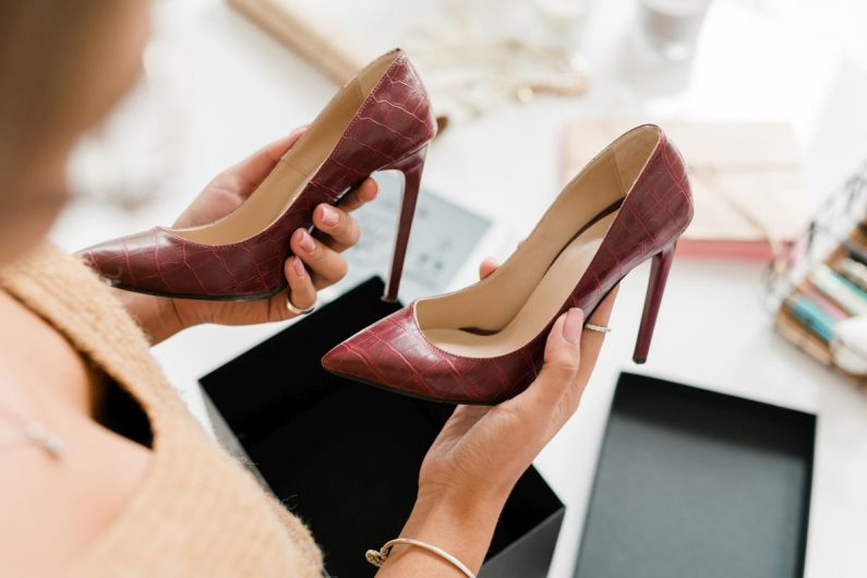 Sklep z butami dla kobiet: szukamy perełek