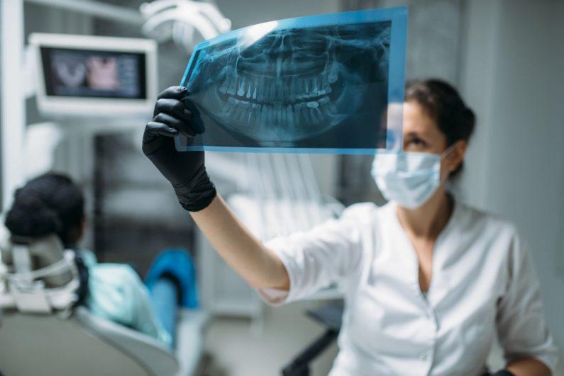 Jak znaleźć chirurga szczękowego w Lublinie?